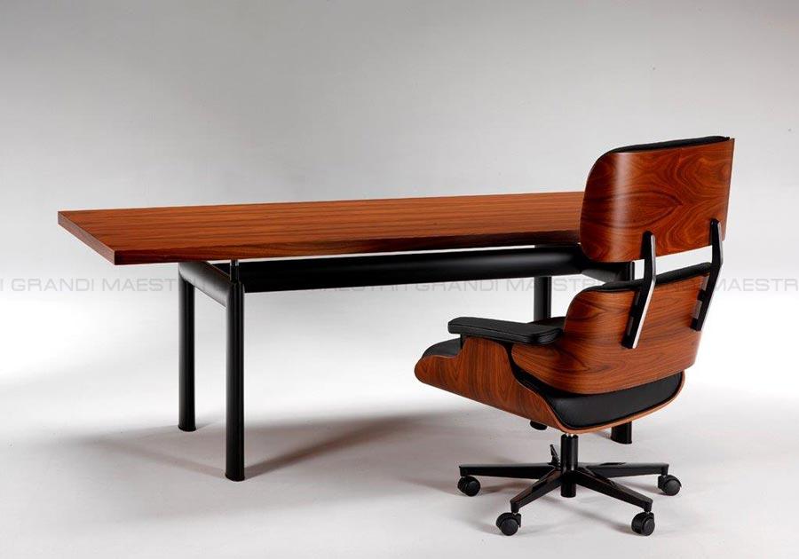 Tavolo riunione lc6 le corbusier con piano in legno scrivanie - Tavolo cristallo le corbusier ...